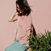 米可可  C8600 文艺大码半开领褶皱条纹五分袖薄款衬衫女 2018夏