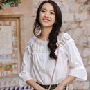 茵曼2018春装新款文艺七分喇叭袖蕾丝花边圆领白衬衫女1881011124