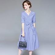 2018夏季欧美女装新款V领短袖条纹拼接显瘦连衣裙系带修身中长裙