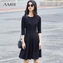 Amii[极简主义]2017春秋装新款修身长袖收腰显瘦连衣裙小黑裙子女