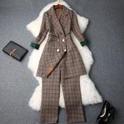 2018秋冬女装新款西装领格纹修身中长款外套+高腰九分裤职业套装