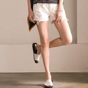 N8355B 韩版修身显瘦百搭磨破毛边热裤 白色牛仔短裤女 米可可