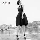 Amii[极简主义]2017夏女挂脖深V领无袖修身小黑裙连衣裙11792686