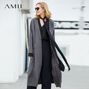 Amii[极简主义]时尚知性 V领后开叉长外套 2018春季盖式口袋上衣