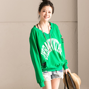 R1617B 韩版字母印花V领套头个性破洞长袖T恤女 潮【米可可】